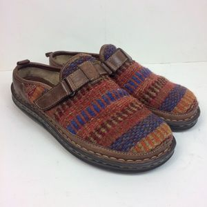 Born Handcrafted Aztec Fabric Clogs Size 9